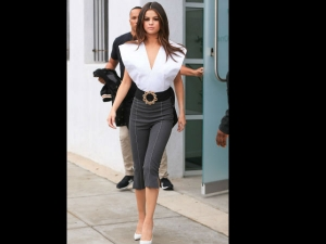 Oops Selena Faces Massive Fashion Blunder