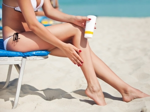 Carry These To The Beach For A Skin And Hair Friendly Tour