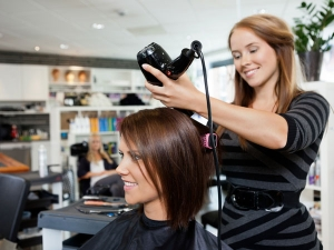 Side Effects And Demerits Of Hair Straightening That No Salon Admits