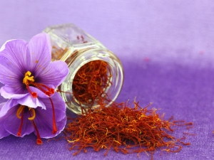 Different Saffron Face Masks You Should Try At Home
