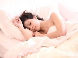 Hair Care Tips During Sleep Time So That There Is No Breakage Or Damage In That Span