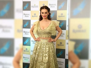 Evelyn Sharma Anchal Kumar Dazzle At Bridal Asia
