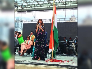 Shilpa Shetty Turned Prettier As She Unfurled The Indian Flag In Toronto