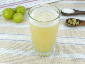 Here Is Why You Must Add Amla Juice To Your Diet