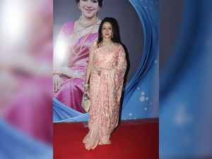 Hema Malini Proved Her Dream Girl Title Once Again