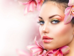 Different Ways To Use Oil In Beauty Routine