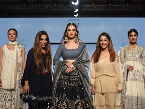 India Beach Fashion Week Evelyn Sharma S Bridal Look Was Exquisite