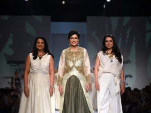 Aifw Ss Indian Cricketer Anjum Chopra Dazzled The Ramp A