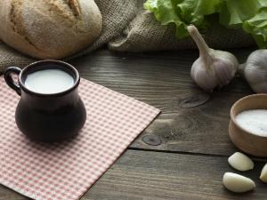 Put Garlic In Milk Reap Off Its Numerous Health Benefits