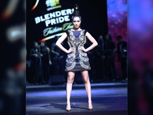 Shraddha Was The Ultimate Star At Blenders Pride Fashion Tour Slaying In Manish Arora