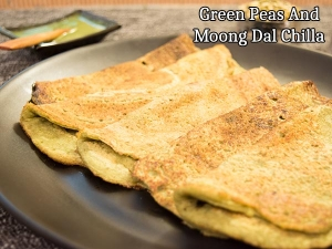 Green Peas Moong Dal Chilla