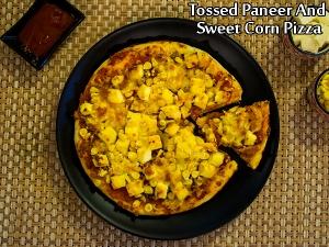 Tossed Paneer Sweet Corn Pizza
