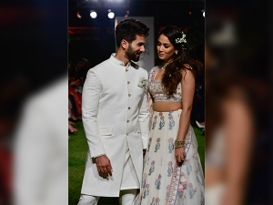 Shahid Kapoor Mira Rajput As Anita Dongre Showstoppers At Lakme Fashion Week