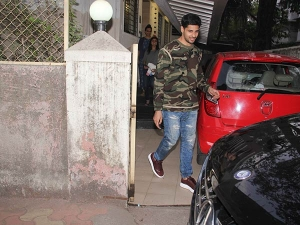 Sidharth Malhotra Spotted Outside His House In Casuals