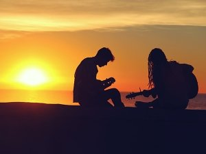 Old Romantic Songs To Dedicate To Your Girlfriend