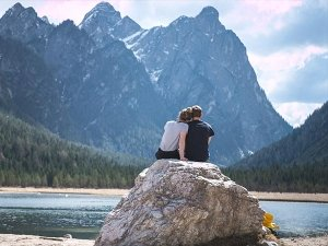 Tips For Couples Traveling Together