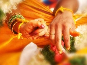 Vastu Tips For A Happy Married Life (tips For Husband-Wife Relationship)