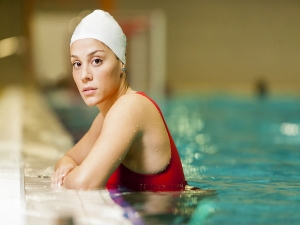 Tips And Tricks To Care For Your Hair While Swimming