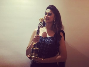 Jennifer Winget Looked Every Inch Sexy As She Won The Best Ac