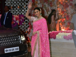 Alia Bhatt S Pink Sari Is So Dazzling That It Tops Our Tradi