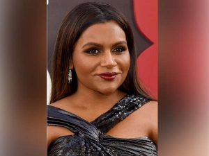 Mindy Kaling S Sanskaari Meets Sexy Gown By Prabal Gurung Just Ruined Our Day