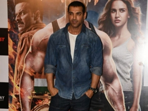 John Abraham S Cool Outfit Proves That He Is The Most Relata
