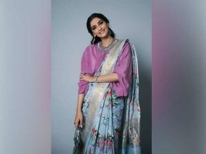 Wow Sonam Kapoor Draped Her Sari This Unique Style