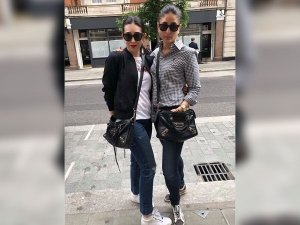 Kareena And Karisma Dressed Down But Looked Sexy AF