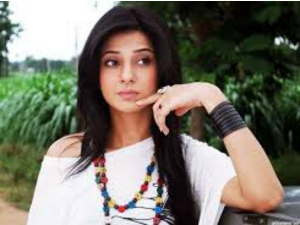 Jennifer Winget Could Easily Inspire Painting This Ethnic Lo