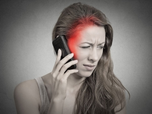 Brain Tumour Risk Can Be Reduced By Regulating Cell Phone Usag