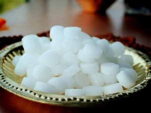 As Per Astrology These Are The Benefits Of Camphor