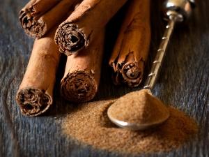 Cinnamon Face Masks For Skin Brightening