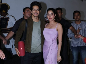 Woah Janhvi Kapoor Showed Us Her Sexier Side This Dress