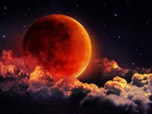 Lunar Eclipse July 27th Singles Should Avoid Watching It