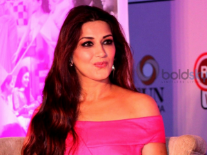 Sonali Bendre Diagnosed With High Grade Stage 4 Cancer