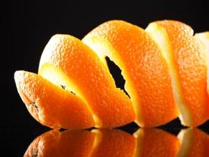 Orange Peel Face Packs To Treat Oily Skin