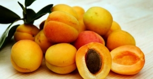 Benefits Of Apricot For Skin And Hair And How To Use