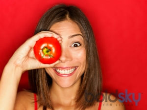 Does Tomato Help In Removing Dark Circles
