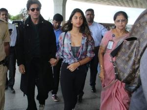Shah Rukh Suhana Khan Fun Airport Fashion Goals
