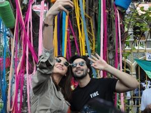 Varun Dhawan Anushka Sharma Looks Sui Dhaaga Promotions