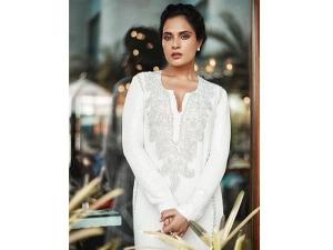 Richa Chadha Travel Style Fashion Photoshoot