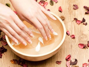 How Do Hot Oil Manicure At Home