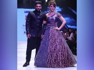 Urvashi Rautela Showstopper At Bombay Times Fashion Week