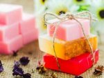 How Make Your Own Peppermint Rose Soap At Home