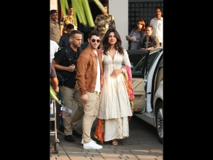 Priyanka Nick S Minimal Looks At The Airport Jodhpur
