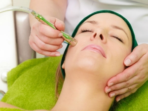What Is Microcurrent Facial How Is It Done