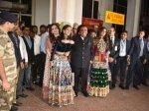 Ambani Family Traditional Wear At Jodhpur Airport