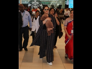 Sania Mirza With Her Baby A Formal Outfit At The Airport