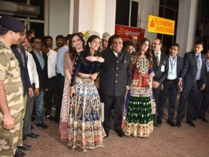 Ambani Family Traditional Wear At Jodhpur Airport