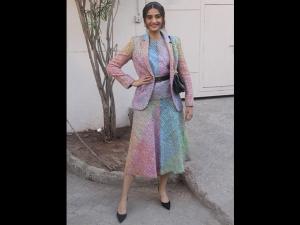 Sonam Kapoor Ahuja A Multi Hued Dress Ek Ladki Ko Dekha Toh Aisa Laga Promotions